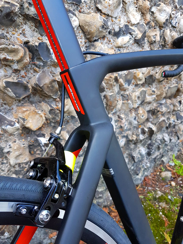 Wilier Cento 10 Air kamtail profile